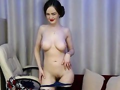 teen nyxii showing boobs on live web cam
