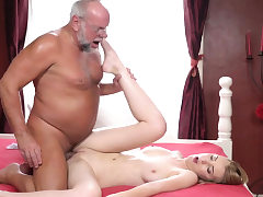 Teen leans over for oldie